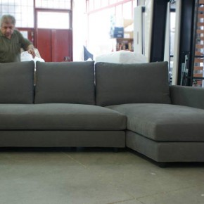 """Sofa MORRIS WITH CHAISE longue """"CRANK"""" PACKED AND READY TO BE DELIVERED."""