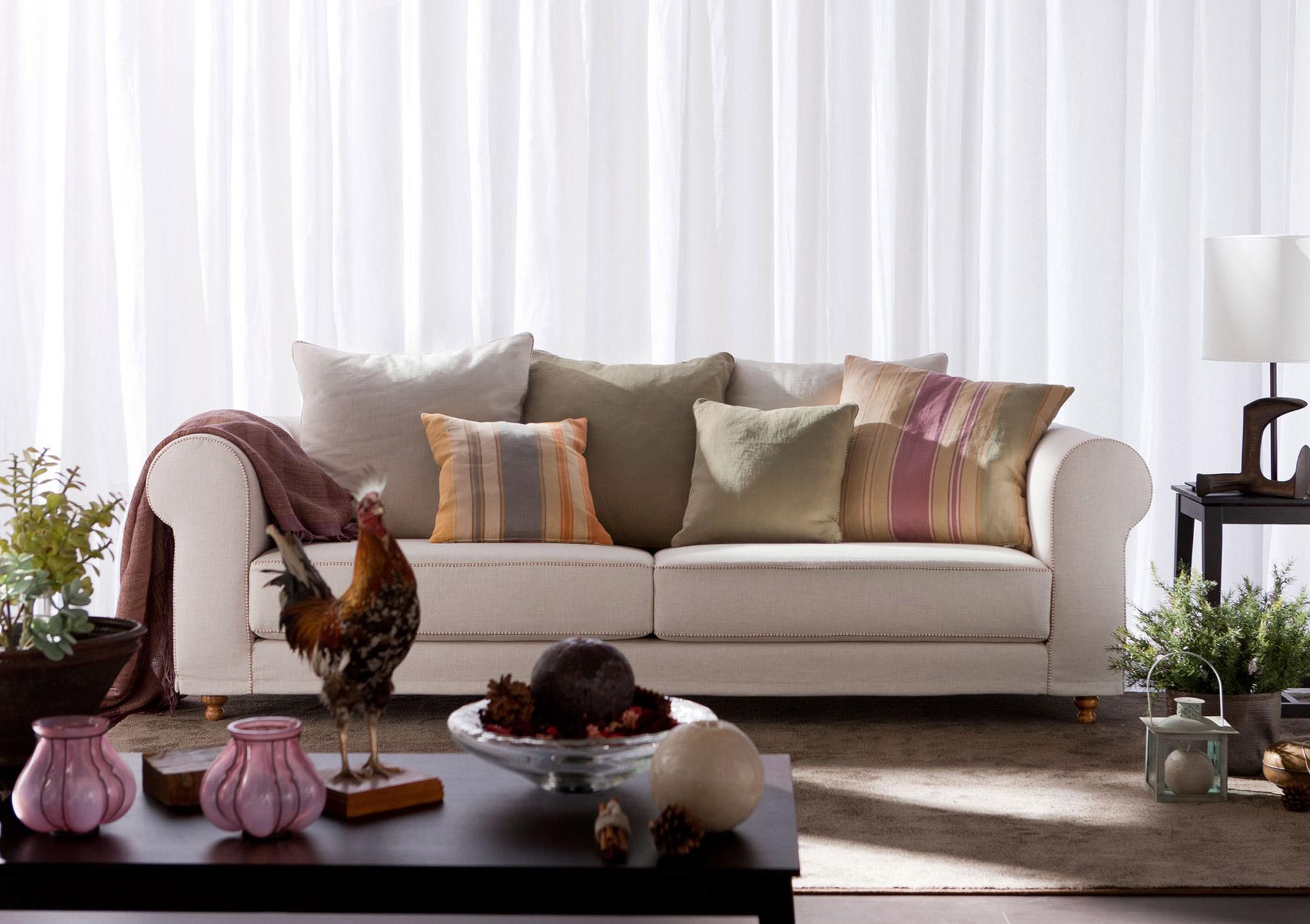 Cambridge Classic Sofa- Etro pillows