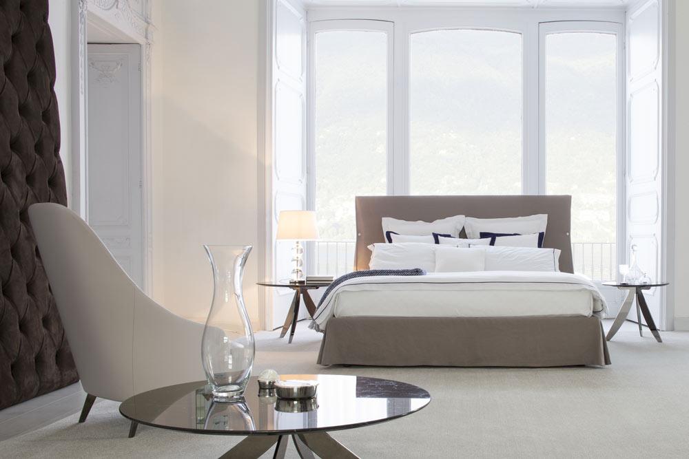 Sorbonne kink size bed