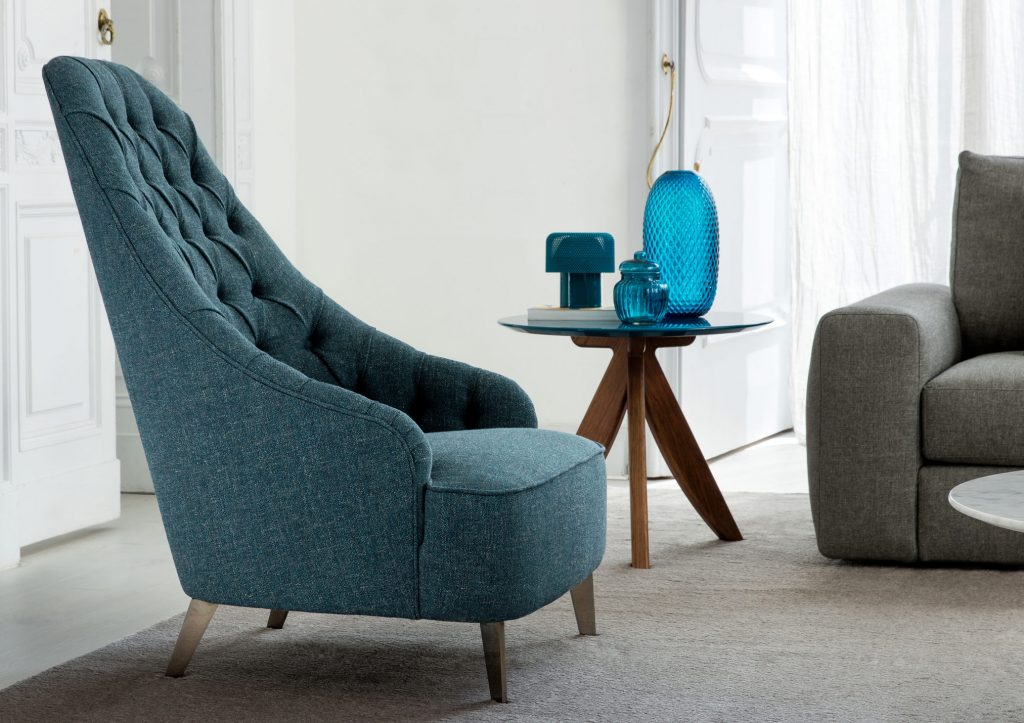 Vanessa Capitonné armchair by BertO