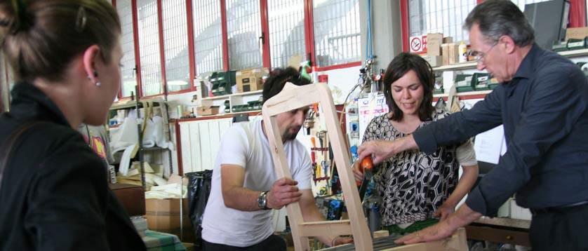 Fioravante BertO with customers in the laboratory