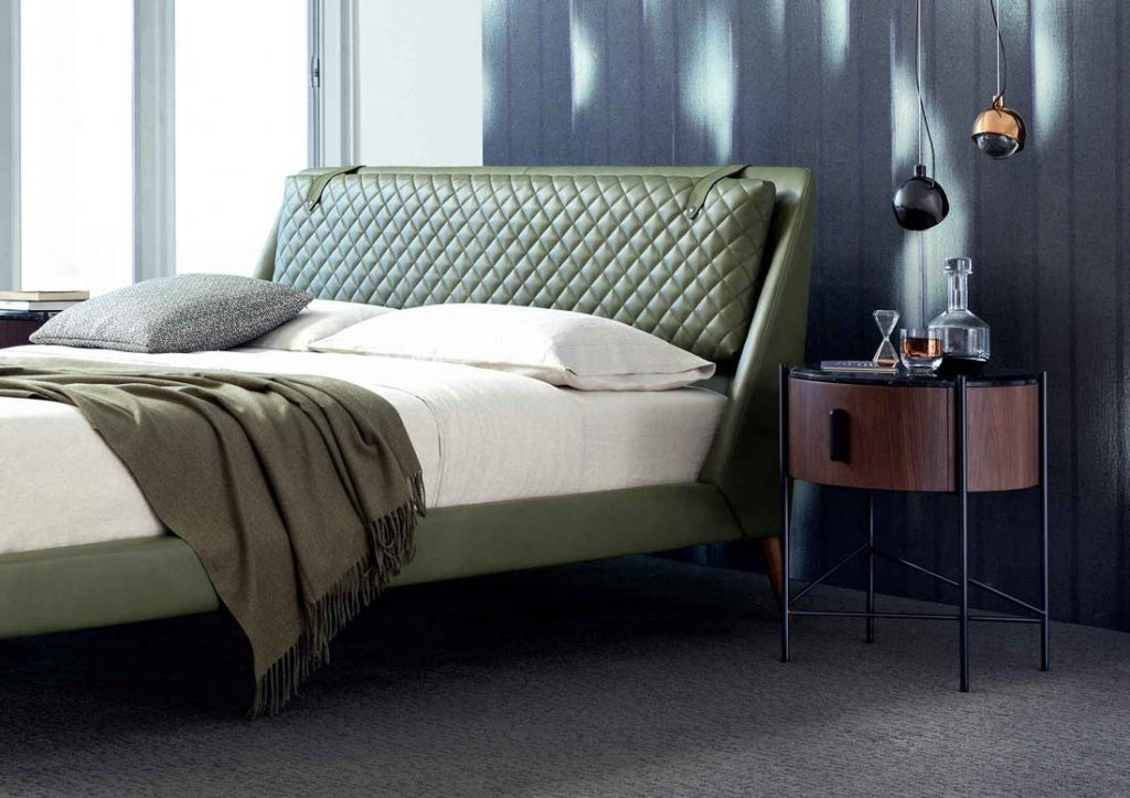 Bedroom by BertO - Chelsea bed in leather