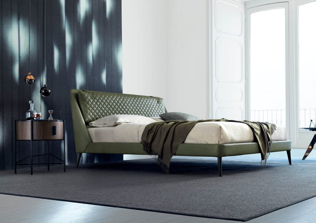 Chelsea bed in leather by BertO